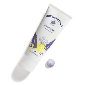 Bzoo.ch Nutricentials Brighter Day Exfoliant Scrub